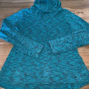 Columbia lightweight hooded long sleeve